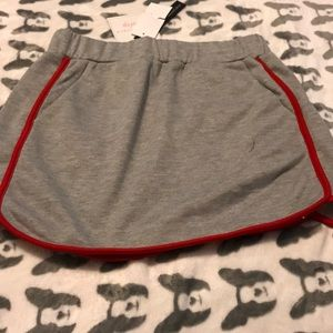 Honey plunch Sunday's small grey and red skirt